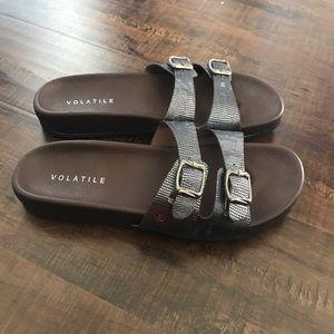 470277c83 Volatile sandals